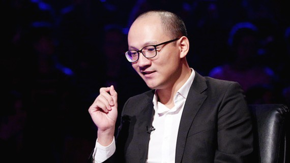Nhà báo Phan Đăng làm MC Ai là triệu phú thay MC Lại Văn Sâm