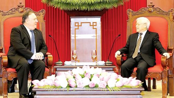 Tổng Bí thư Nguyễn Phú Trọngvà Ngoại trưởng Hoa Kỳ Mike Pompeo tại buổi tiếp. Ảnh: TTXVN