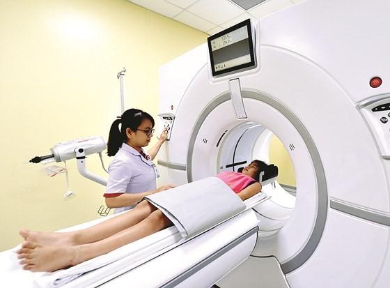 Máy chụp X - quang kỹ thuật số hiện đại tại Bệnh viện Nhi đồng Thành phố