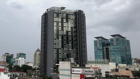 Các tòa nhà văn phòng cho thuê tại khu trung tâm quận 1, TPHCM. Ảnh: Huy Anh