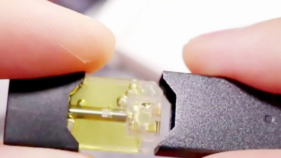 Israel cấm nhập và bán thuốc lá điện tử