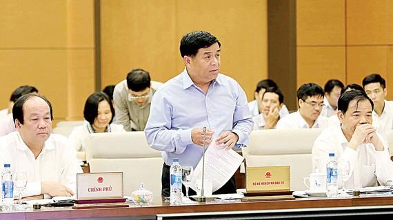 Bộ trưởng Bộ Kế hoạch và Đầu tư Nguyễn Chí Dũng phát biểu. Ảnh: TTXVN