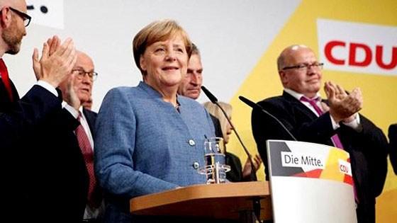 Thủ tướng Đức tuyên bố không tái tranh cử Chủ tịch CDU
