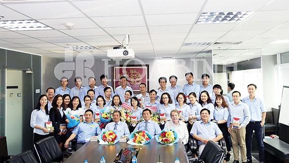 Công ty CP Tập đoàn Xây dựng Hòa Bình tri ân nhân Ngày Nhà giáo Việt Nam 20-11