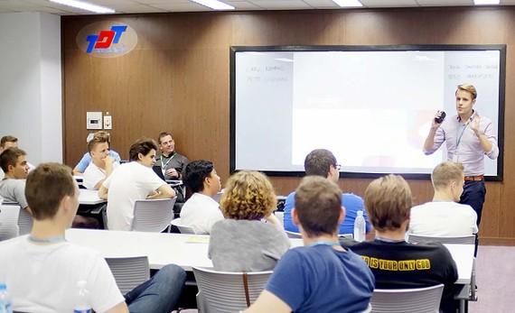 Sinh viên, giảng viên nước ngoài học tập tại Trường ĐH Tôn Đức Thắng - một trong 23 trường được thí điểm tự chủ