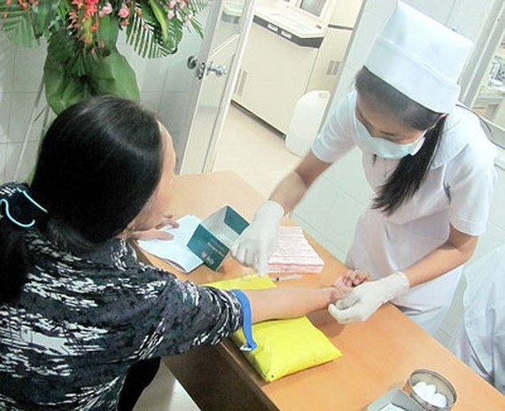 Cần khám sức khỏe định kỳ để kiểm soát mỡ trong máu