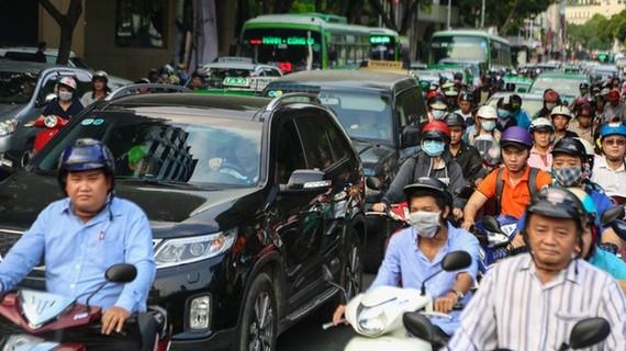 Kẹt xe nghiêm trọng tại trung tâm TPHCM