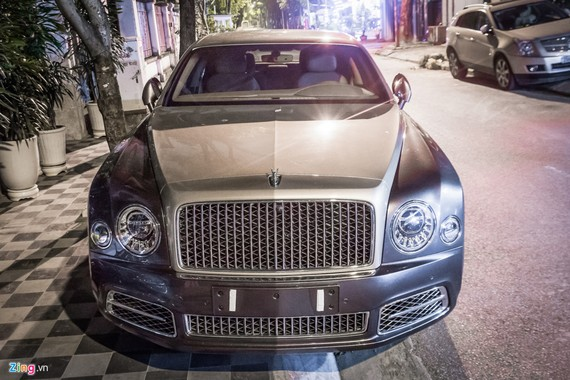 Bentley Mulsanne EWB 2017 đầu tiên tại Hà Nội