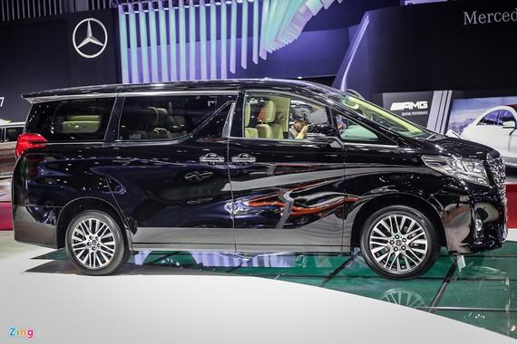 'Chuyên cơ mặt đất' Toyota Alphard giá hơn 3,5 tỷ đồng