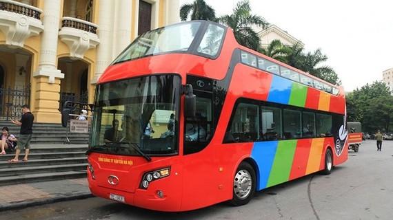 """Buýt 2 tầng: """"Vết đổ"""" BRT?"""