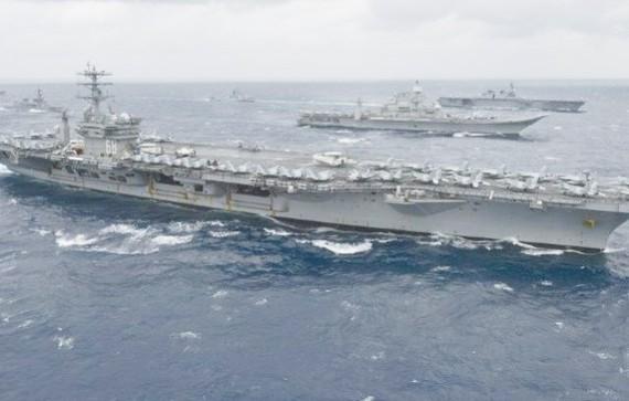 Tàu sân bay Mỹ lần lượt đi vào khu vực tập trận. Ảnh Reuters