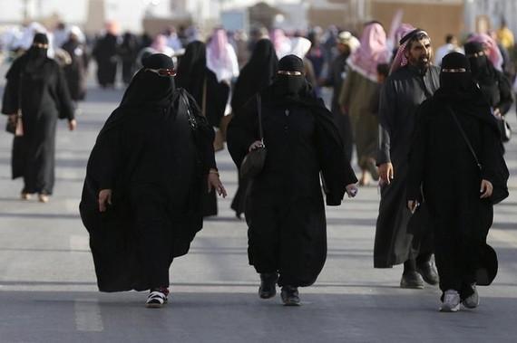 Phụ nữ Saudi Arabia vẫn thiếu những quyền cơ bản. Ảnh: REUTERS