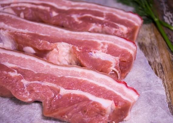 Các DN bán lẻ cam kết đẩy mạnh tiêu thụ thịt lợn