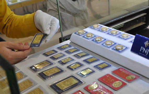USD tăng, vàng SJC giảm theo thế giới