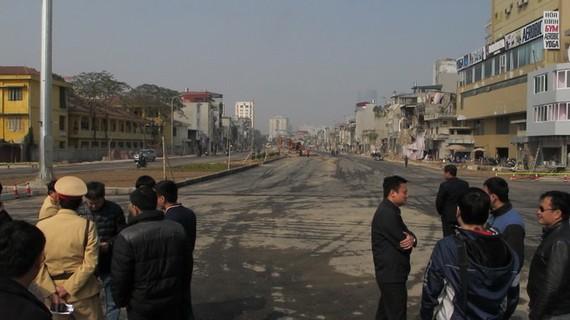 """Tuyến đường Ô Chợ Dừa - Hoàng Cầu ngày thông xe năm 2013, thời điểm đó đây chính là """"con đường đắt nhất hành tinh"""""""