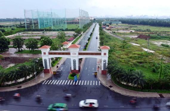 Đường vào sân golf Tân Sơn Nhất rộng thênh thang