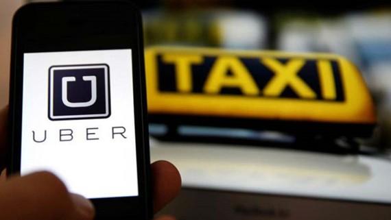 Bộ GTVT khẳng định không cấm xe hợp đồng điện tử Uber, Grap