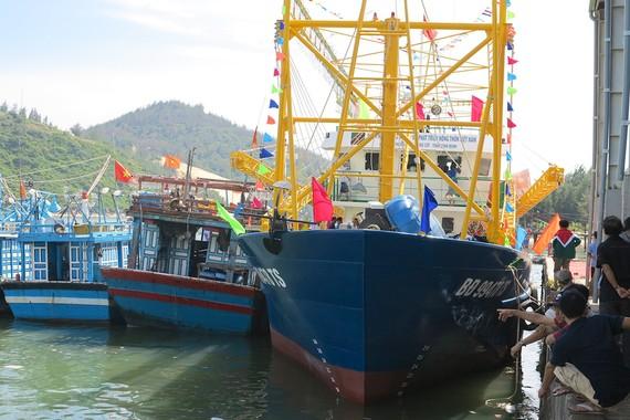 Nhiều tàu vỏ thép của ngư dân tỉnh Bình Định bị hư hỏng nặng dù hoạt động chưa lâu