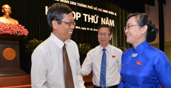 Chủ tịch HĐND TPHCM Nguyễn Thị Quyết Tâm trao đổi cùng Giám đốc Sở Nông nghiệp và Phát triển Nông thôn Nguyễn Phước Trung