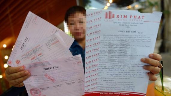 Một khách hàng tố Công ty Kim Phát lừa tăng giá chuyển nhượng đất ở huyện Trảng Bom, Đồng Nai - Ảnh: QUANG ĐỊNH
