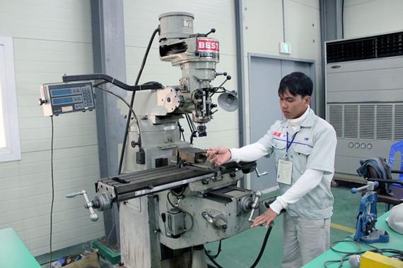 Nhiều ý kiến lo ngại xuất khẩu lao động ảnh hưởng nguồn lao động kỹ thuật chất lượng cao trong nước