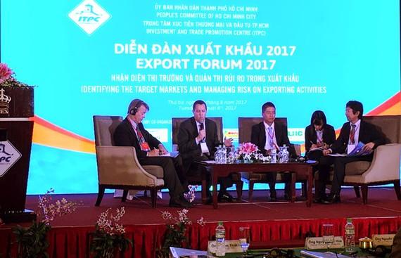 Các diễn giả tham dự hội thảo.