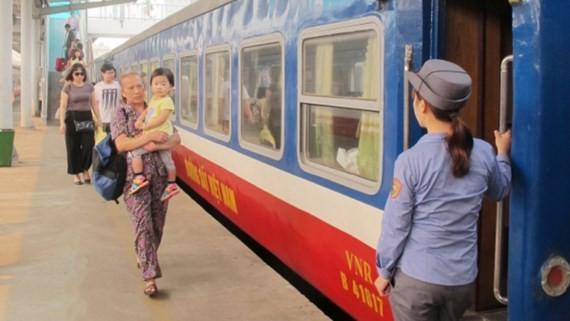 Ga Hà Nội tăng thêm 14 đoàn tàu trong cao điểm nghỉ lễ 2-9