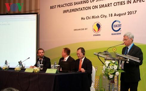 Tại hội thảo, đại biểu đến từ các nền kinh tế APEC đã cùng nhau chia sẻ, trao đổi, bàn những biện pháp cải tiến... nhằm tạo điều kiện phát triển bền vững cho các đô thị thông minh tại các nền kinh tế thành viên.