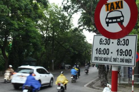Những tuyến phố Hà Nội cấm taxi, ô tô