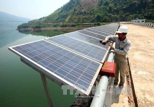 Phát triển điện mặt trời quy mô nhỏ tiềm ẩn nhiều nguy cơ