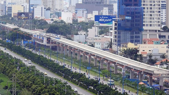 Tuyến metro số 1 vẫn tiếp tục lo chậm tiến độ vì thiếu vốn