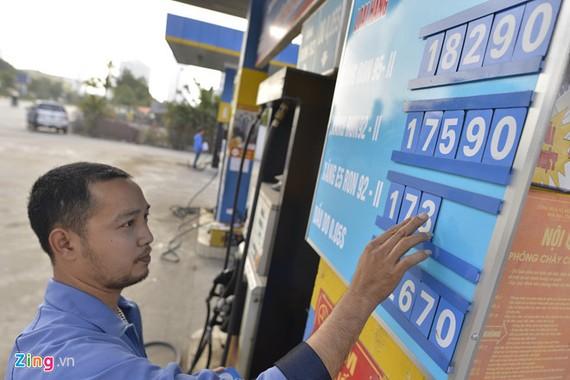 Ngoài các công ty trong nước và đơn vị kinh doanh nhượng quyền, thị trường bán lẻ xăng dầu Việt Nam mới có sự tham gia của 1 đơn vị 100% vốn nước ngoài. Ảnh minh họa: Lê Hiếu.