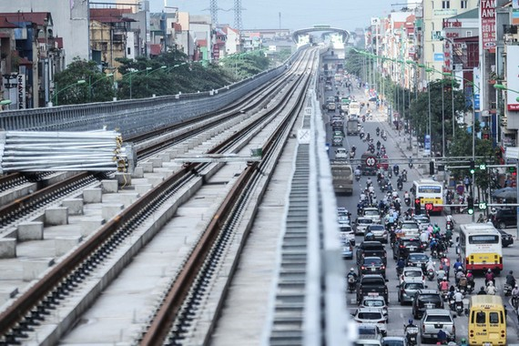 Giải ngân chậm khiến dự án đường sắt Cát Linh - Hà Đông thi công cầm chừng, vỡ kế hoạch chạy thử vào tháng 10 này - Ảnh: NGUYỄN KHÁNH