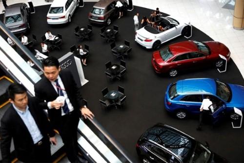 Để sở hữu một chiếc xe hơi tầm trung ở Singapore có giá cao gấp 4 lần so với giá tại Mỹ.