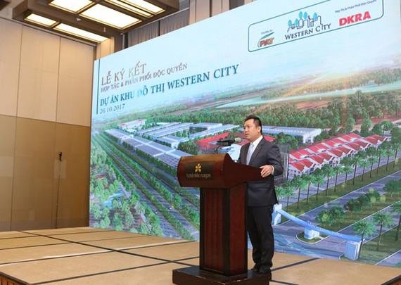 Ông Phạm Lâm - Tổng Giám đốc Công ty Cổ phần DKRA Việt Nam phát biểu tại buổi lễ