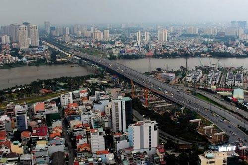 Cầu Sài Gòn 2 - một công trình được thực hiện theo hình thức BT đang phát huy hiệu quả ở TP HCM Ảnh: HOÀNG TRIỀU