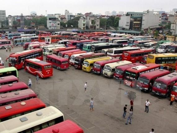 Hà Nội: 400 xe vi phạm giao thông chưa nộp phù hiệu bị thu hồi
