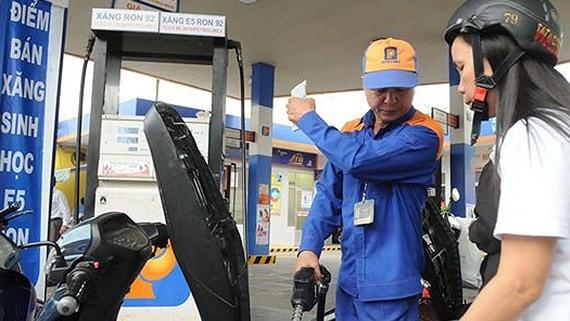 Từ 15 giờ chiều 4-1, giá dầu có thay đổi