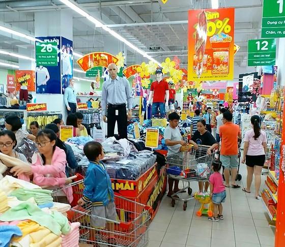 Hàng hóa trong chương trình Đón năm mới 2018 giảm giá mạnh tại BigC
