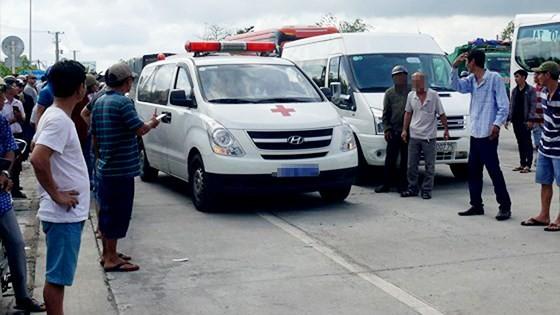 Kẹt xe tại trạm BOT Sóc Trăng do nhiều tài xế phản đối