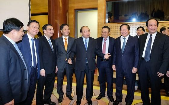 Thủ tướng Nguyễn Xuân Phúc cùng các Bộ trưởng và lãnh đạo Tập đoàn Dầu khí Việt Nam dự Hội nghị. - Ảnh: VGP/Quang Hiếu
