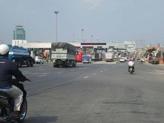 Trạm thu phí ngã tư Vũng Tàu còn nhiều tồn tại gây mất an toàn giao thông