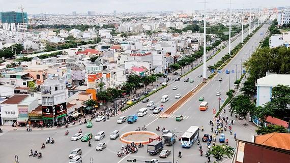 Đường Phạm Văn Đồng kết nối từ sân bay Tân Sơn Nhất tới cửa ngõ phía Đông thành phố. Ảnh: CAO THĂNG
