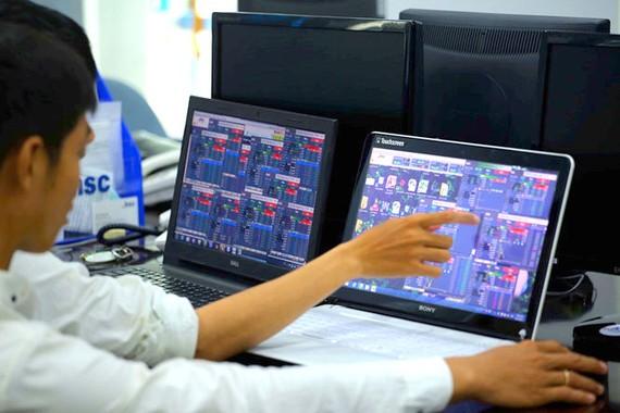 Nhiều nhà đầu tư lo lắng về sự cố kỹ thuật của HOSE