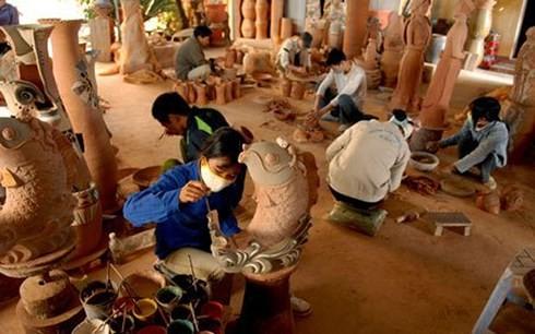 Xuất khẩu gỗ Việt có thể tăng 30% giá trị nếu làng nghề liên kết tốt