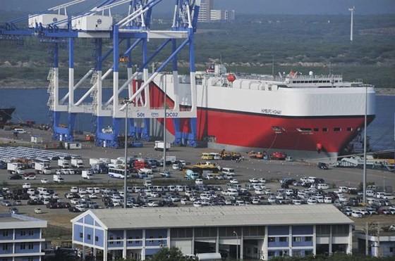 Cảng Hambantota của Sri Lanka đã chuyển giao cho Trung Quốc