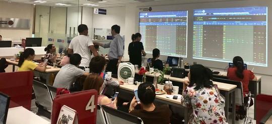 Giá trị giao dịch trên HNX bình quân 1.000 tỷ đồng/phiên