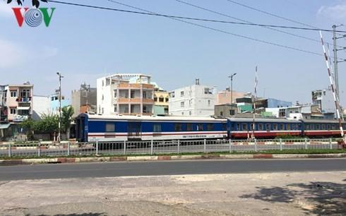Còn tồn tại nhiều vị trí đường sắt không an toàn ở TP HCM
