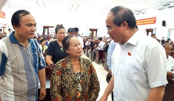 Cử tri quận 2 qua Bình Chánh gặp Bí thư Thành ủy Nguyễn Thiện Nhân