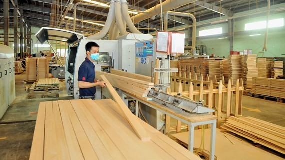 Sản xuất gỗ nội thất tăng trưởng mạnh trong năm 2018. Ảnh: CAO THĂNG